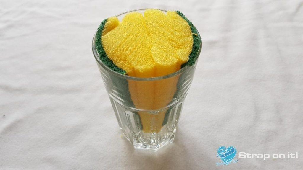 Taschenmuschi-selber-bauen_Schwämme-Glas