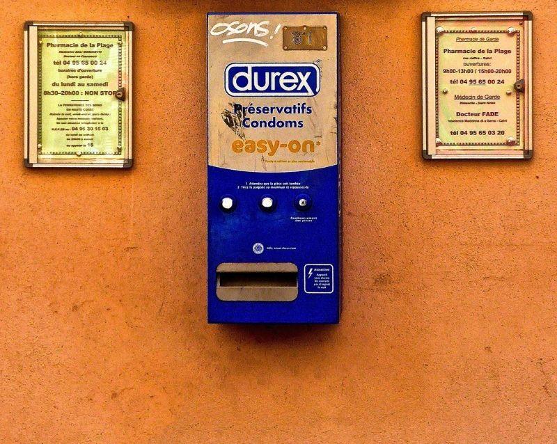 Welche-Kondomgroeße_Kondomautomat